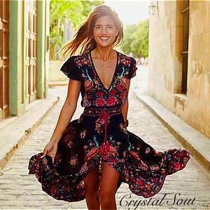 Dresses & Skirts - 🎉BOHO Folk Print Deep V-neck Elegant